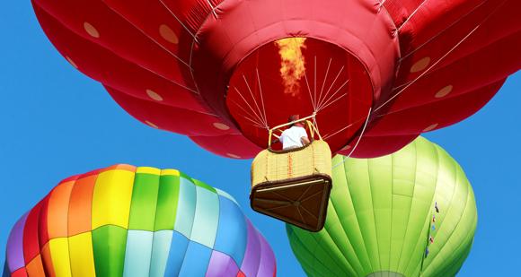 Envol de montgolfières